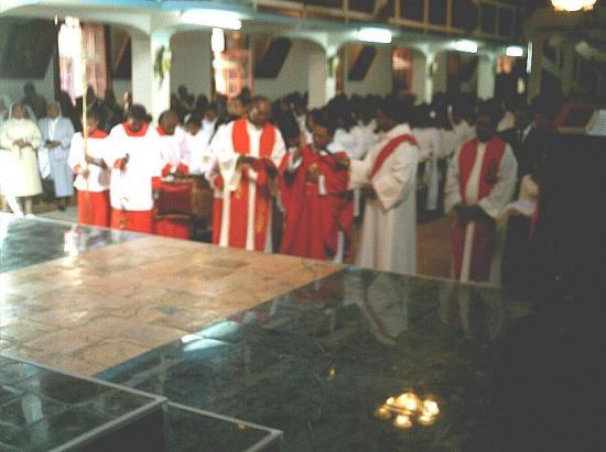 Les officiants lors de l'inauguration